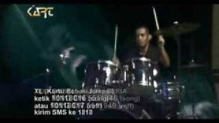 Download Lagu D'SLIP - HARUSKAH Gratis STAFABAND