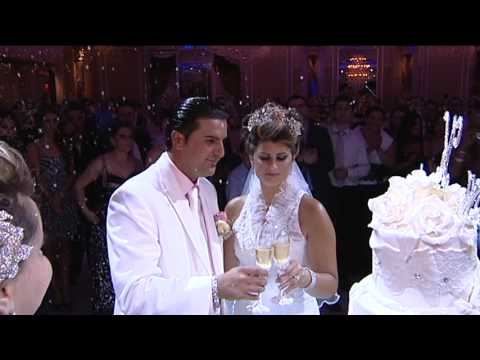 Albanian Wedding: Madrit & Ajshe Cake Cutting