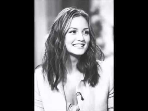 Leighton Meester - Bette Davis Eyes