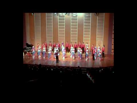 Infinito Singers Of Indonesia Sing Rosas Pandan video