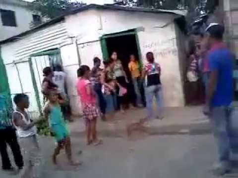 Mujeres peliando en Republica Dominicana