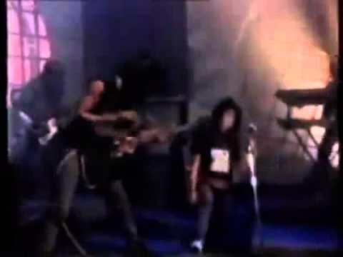 Mel Shandy - Nyanyian Badai (Video Klip).flv