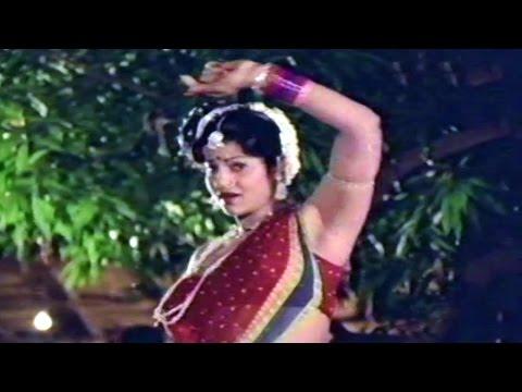 Marchandi Mana Chattalu Movie Songs - Emcheppanoyamma Emcheppanu - Jayamalini video