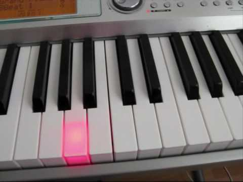 How To Play The Intro Of  'varayo Varayo' (aadhavan) On Piano video