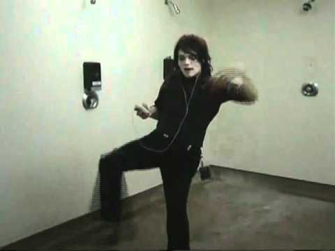 Gerard Way Dance Gerard Way Singing And Dancing