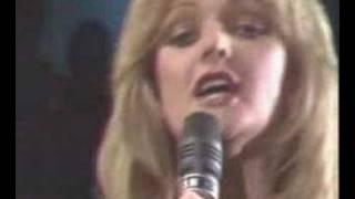 Watch Bonnie Tyler Its A Heartache video