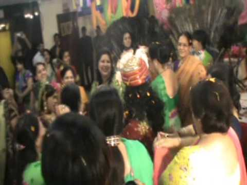 Krishna Radha Group Holi Dance- To Teri Meri Katti video