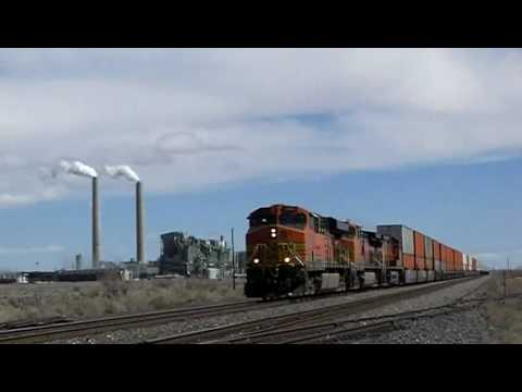 BNSF 7683 west at Joseph City, AZ 13Mar10