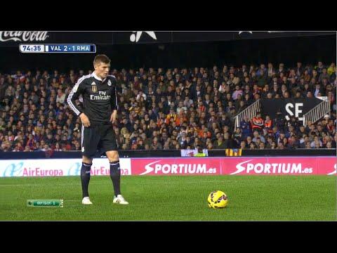 Toni Kroos vs Valencia (A) 14-15 720p HD