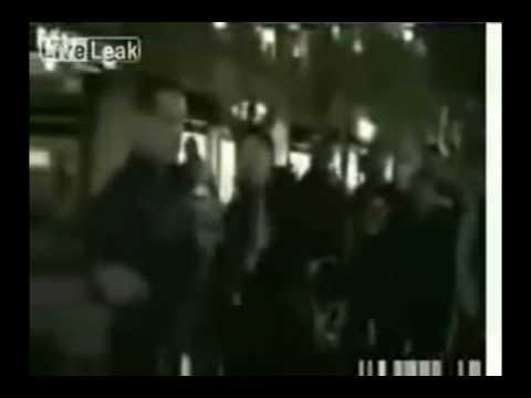 Мусульманка ударила священника защишая честь Пророка