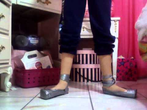 how to make witch shoes out of duct tape