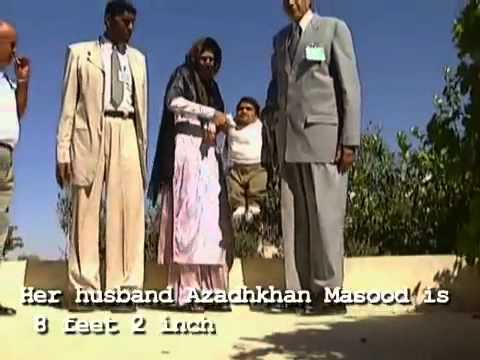 Funny Weird People World's Tallest Couple Meet Smallest Man.mp4