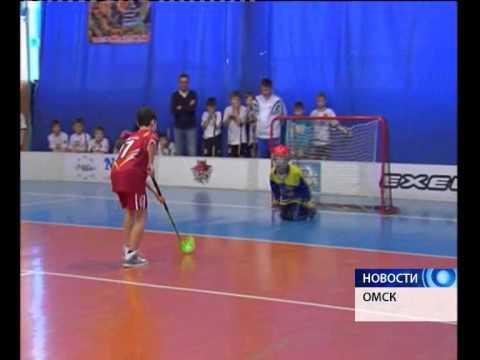 В Омске прошел рождественский турнир по флорболу
