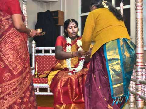 Valaikappu (seemantham)- Arulmigu Melmaruvathur Adhiparasakthi London Harrow Mandram video