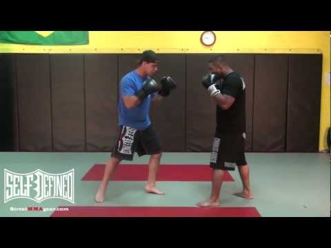 Right Cross Straight Punch:Beginners MMA Moves: Muay Thai Striking Technique Image 1