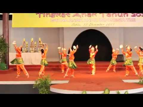 Sanggar Andam Suri - Tari Piring - (dance With Plates) - Minangkabau video