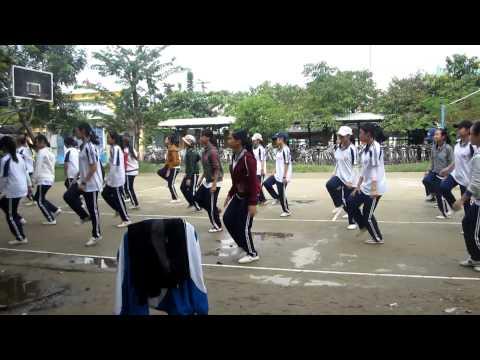 Thể dục nhịp điệu nữ lớp 11
