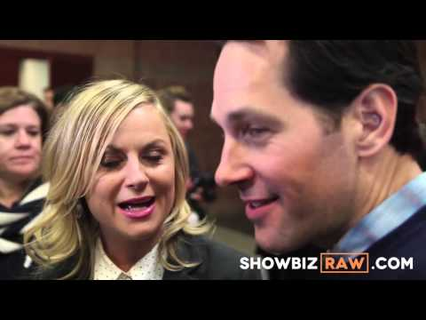 Amy Poehler & Paul Rudd speak Spanish at They Came Together Sundance Premiere