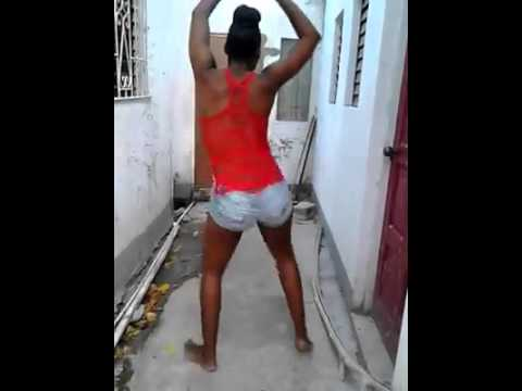 Beautiful Jamaican girl twerking her natural booty thumbnail