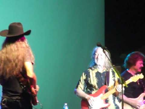 The Doobie Brothers live in Maui 2011