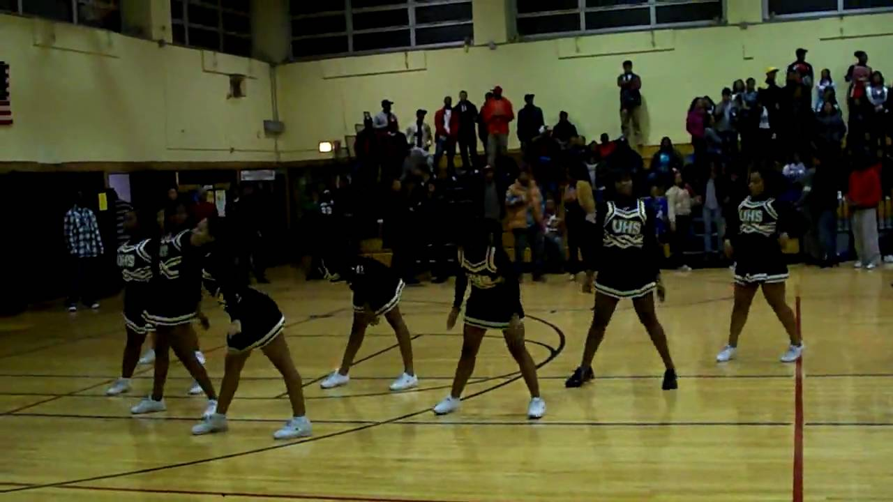uniondale high school cheerleaders - lady knights