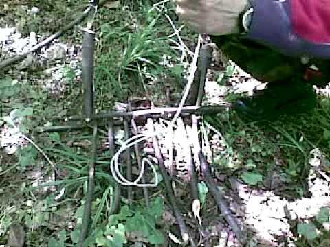 Survival Triggered snare trap in detail -Prezivljavanje u prirodi- Nagazna zamka-detaljan prikaz.mp4