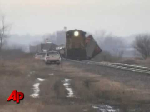 Strong Winds Whip Trucks, Train in Iowa