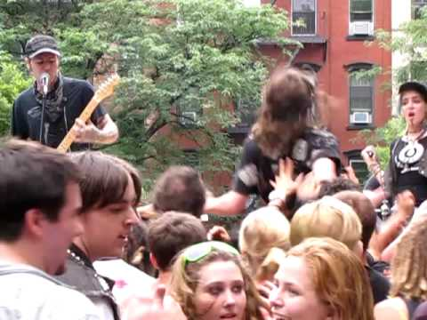 Star Fucking Hipsters empty Lives Live In Tompkins Square Park New York City 7-11-09 video