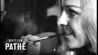 Pipe Smoking Women (1969)