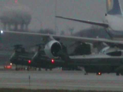 Air Force one landing at O Hare 2/13/09