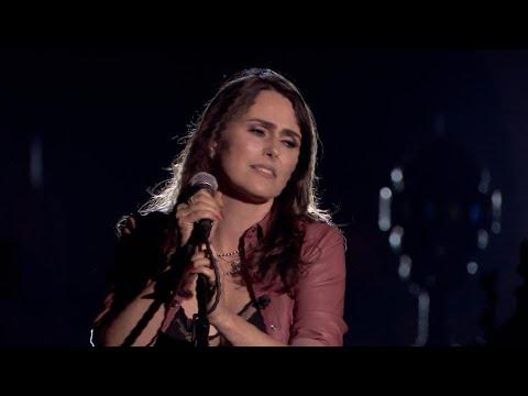 Sharon drukt haar eigen stempel op 'Things I Should Have Done'   Liefde Voor Muziek