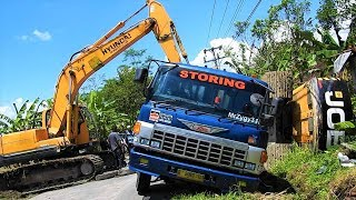 Excavator Accident JCB JS205SC Self Loader Truck Heavy Recovery Extended