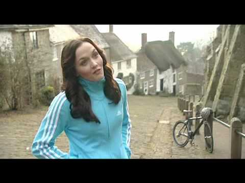 Victoria Pendleton signs with Hovis