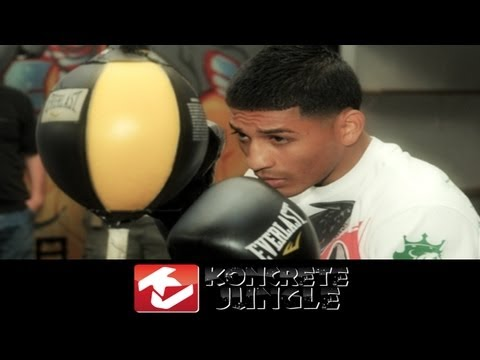 Abner Mares double end bag & core training [True HD] Image 1