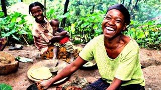Ethiopian Women Demonstrating Pottery Making - ኢትዮጵያዊያን ሴቶች የሸክላ ስራ ሲሰሩ