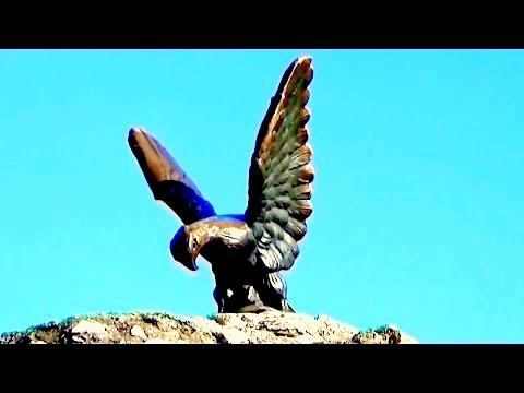 Символ Пятигорского курорта - скульптура орла.