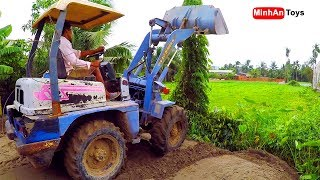 Bucket Loader: Working with a bucket loader and truck