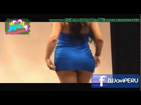 Andrea Luna ♥ Mini Falda de infarto CONITEX 2011 no Rocio Miranda
