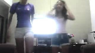 meninas dançando funk larissa e poliana