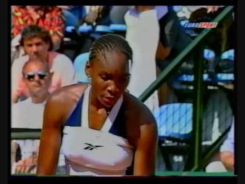 Justine エナン into the Brisbane International 決勝戦(ファイナル)