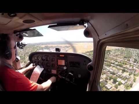 Takeoff from Palo Alto (KPAO) and landing at Sacramento Exec (KSAC) with live ATC comms