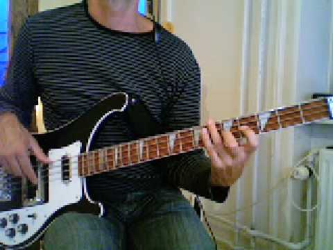 L131 Shuffle blues bass in A