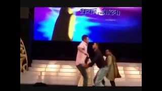 Mashrafee and Taskin enjoying Meril Prothom Alo Award Festival with their memorable
