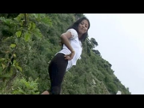Thari Chaal - Haryanvi Sizzling Hot Girl Showing Something Awesome video