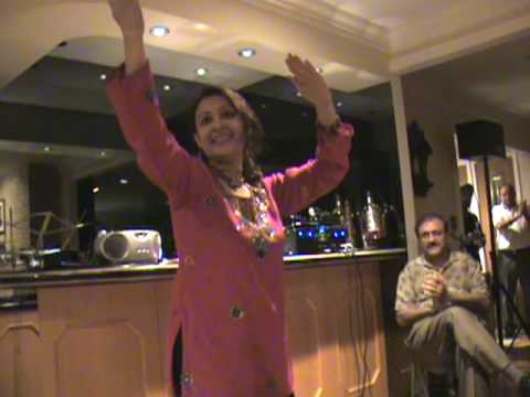 Hum Tere Hi Diwane Hai--Dance by Gargi Bagchi(The Karaoke Club...