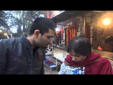 Suraj, Aruna & Hari Sharma at Sankat Mochan Mandir Locker Stand, Varanasi, Jan 16, 2015