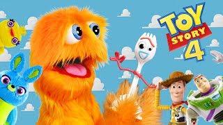 ¡Toy Story en la vida Real! ¡🚀 'Forky' cumple con Fuzzy! 😂 Toy Story 4 🤠 acción viva Toy Story