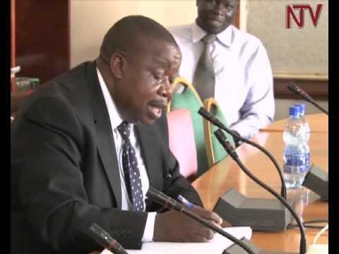 Akasiimo k'abakozi: Omukono gwa Otafiire  baagujingirira ku biwandiko