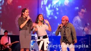 Download lagu GAC at Grand Pacific Hall Yogyakarta (1/6/13) One Direction - Kiss You (cover) gratis