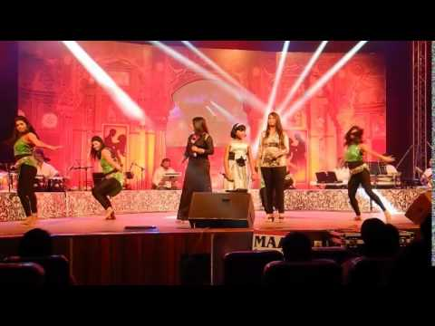 Mujhko Hui Na Khabar - Sway performing at Jab We Met